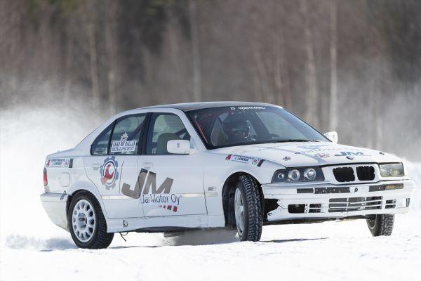 g-racing-center-jt-ralliautoilu-kainuu-ukkohallan-matkailupalvelut-119E0276AF-C207-224D-F912-B875B8DB3CDD.jpg